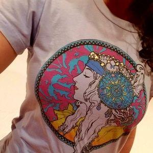 Mucha shirt